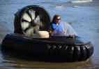 家庭用的创意气垫船