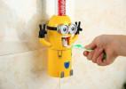 自动挤牙膏的创意小黄人
