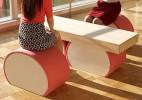 以鱼板为灵感设计的桌椅