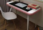 真实比例放大的iphone桌子
