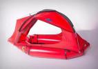 Evan Glassman设计的可以在水中行走的多功能帐篷
