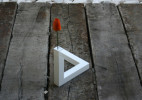 Cuatro Cuatros设计的花瓶--90°