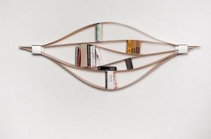 极具创意的趣味弹性书架