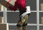LG推出仓库人员的助力外骨骼