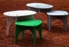 再生塑料制作的桌椅