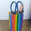 教你用雪糕棒做出漂亮的彩虹笔筒