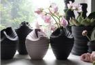 看似柔软弯曲的瓷器花瓶