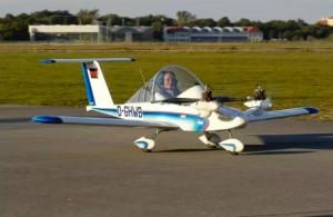 全球最轻便的私人小飞机 仅售10万!