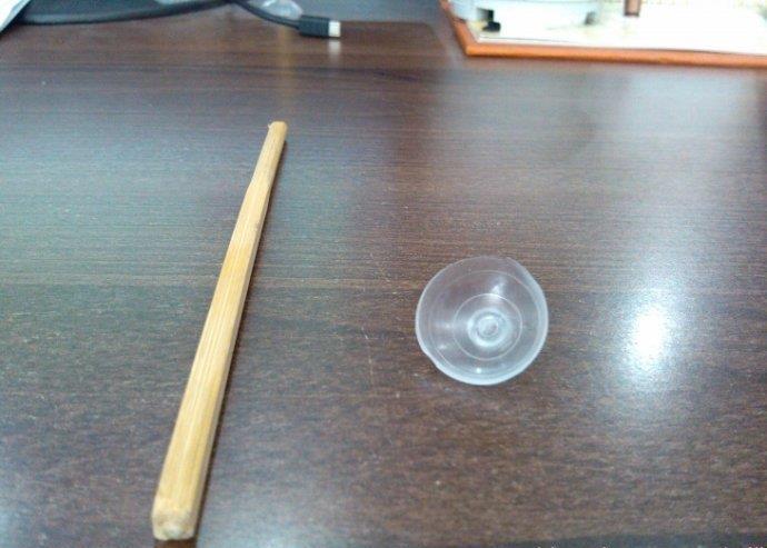 手工制作 旧磁带和筷子自制手机支架手工diy图片