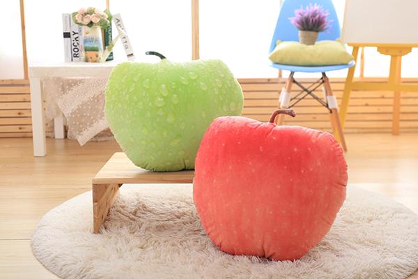 创意无极限,仿真水果抱枕太像了