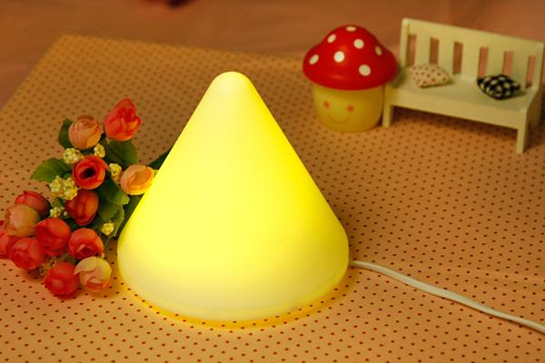 无需换灯泡的金字塔小夜灯