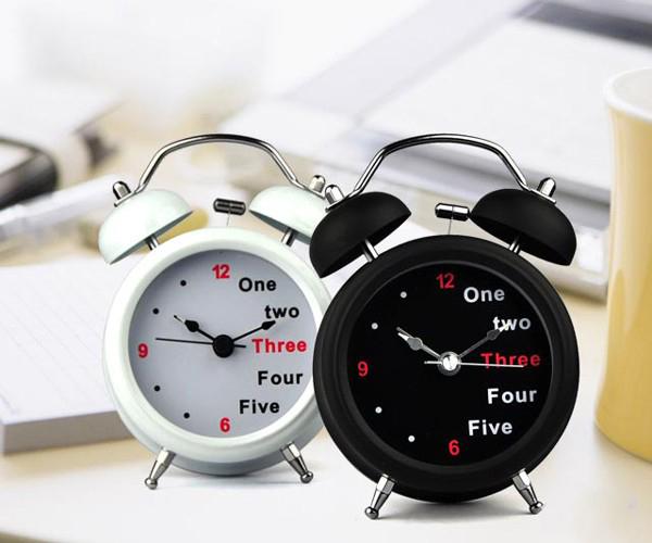 金属双玲创意表盘的闹钟