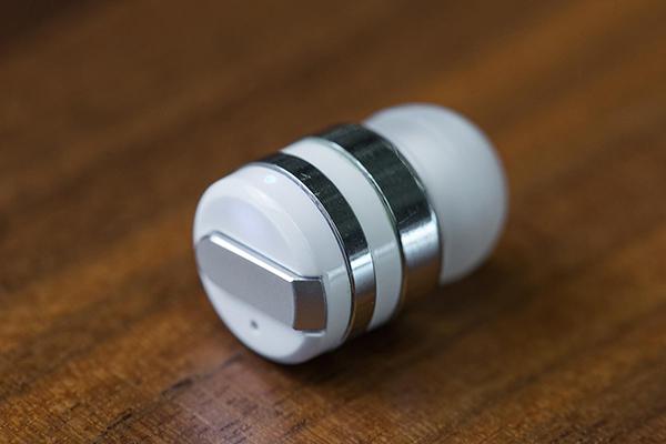 Dot 全球最小蓝牙耳机
