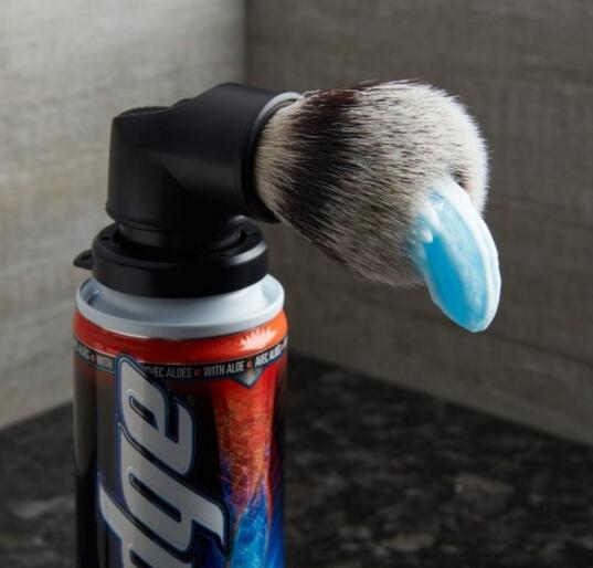 直接刷脸的剃须刷,让你高逼格快捷涂抹剃须泡