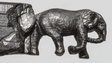铅笔雕塑之大草原上的大象一家