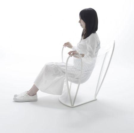 轻盈剔透的水晶座椅