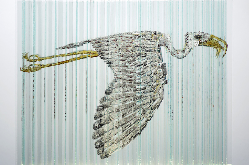 不同角度呈现不同画面的创意玻璃雕塑