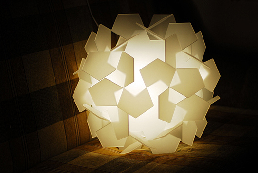 Pavel Eekra的创意花型灯具设计