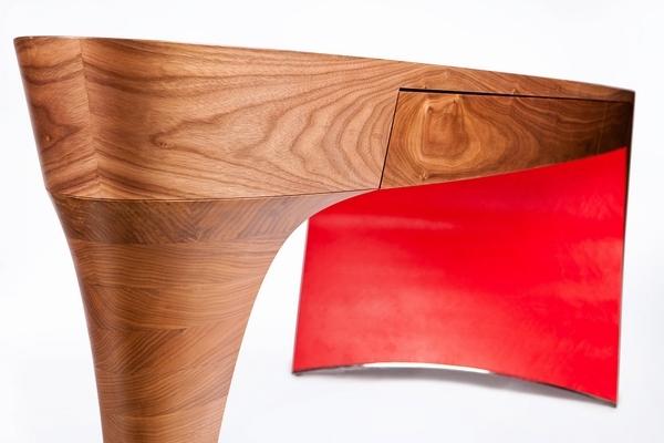 细高跟桌子设计—Stiletto
