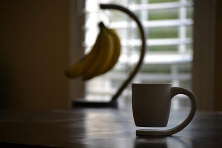 """神奇的""""悬浮""""咖啡杯"""