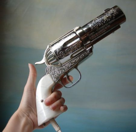 如枪一般的吹风机