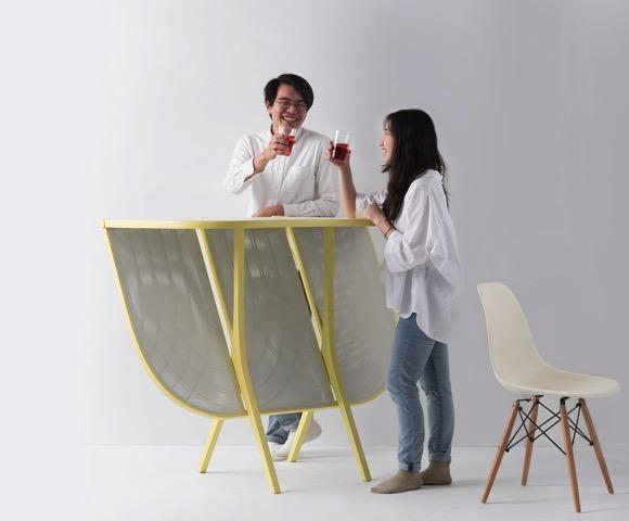 小空间里的屏风桌子