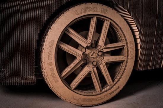 雷克萨斯硬纸板轿车 纯手工+胶水打造