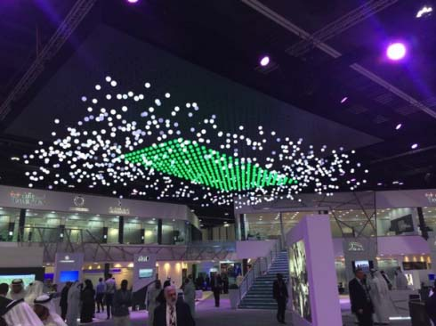 华丽至极 1089颗LED构成的动态立体图案