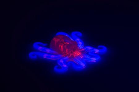 世界首台软体章鱼机器人