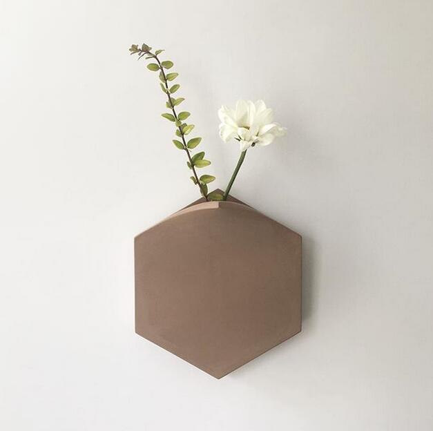 简约时尚的壁挂花瓶