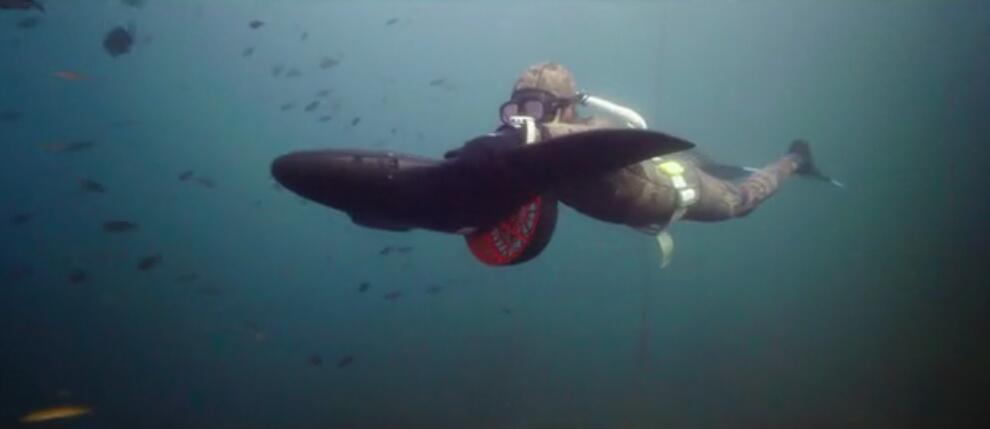 最高时速9公里的潜水推进设备