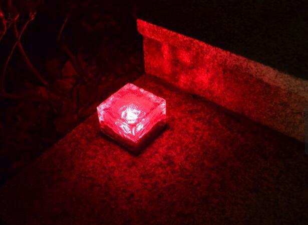 太阳能地砖传感器灯